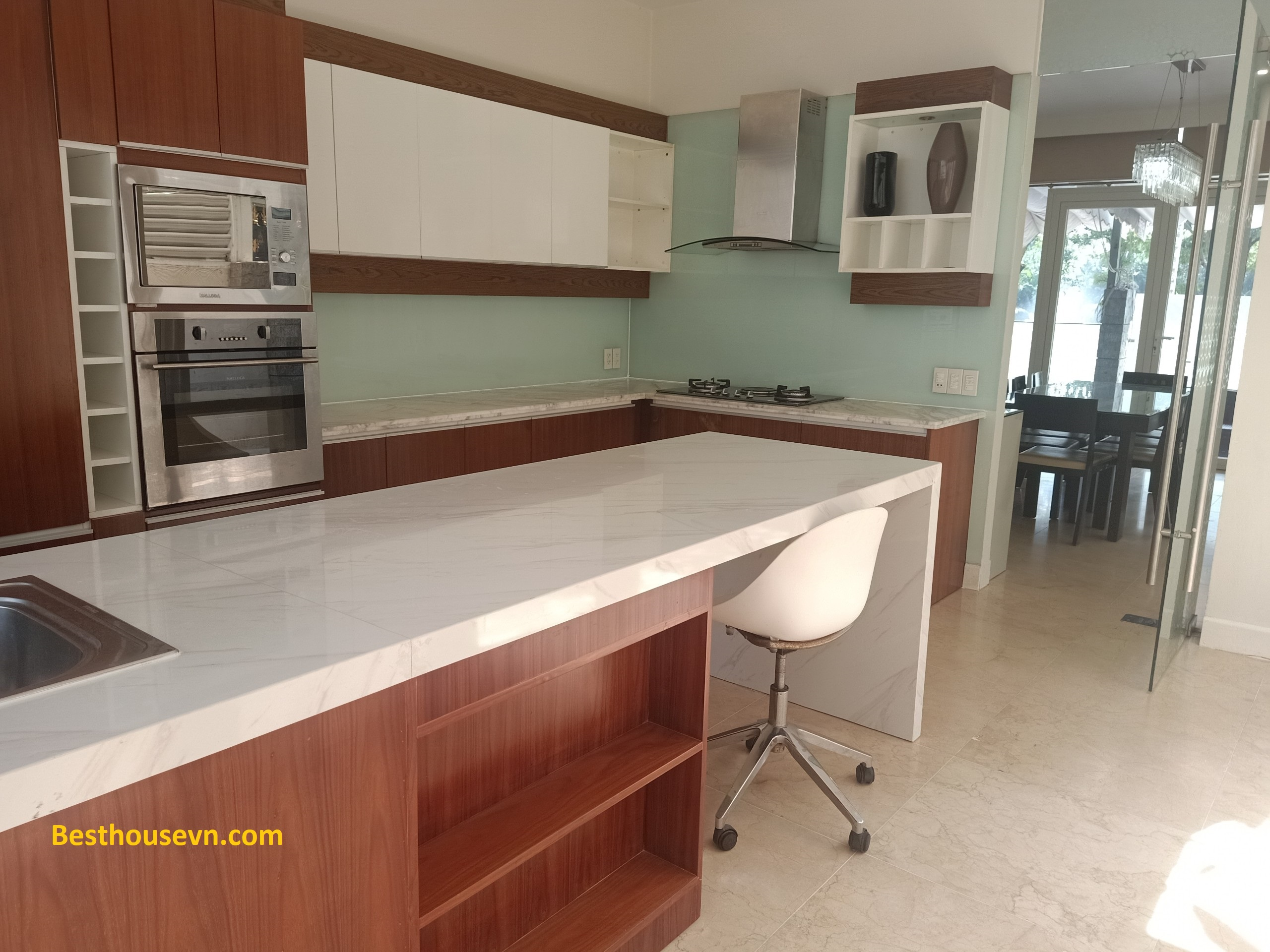 swimming-pool-Villa-for-rent-in-phu-my-hung-d-7