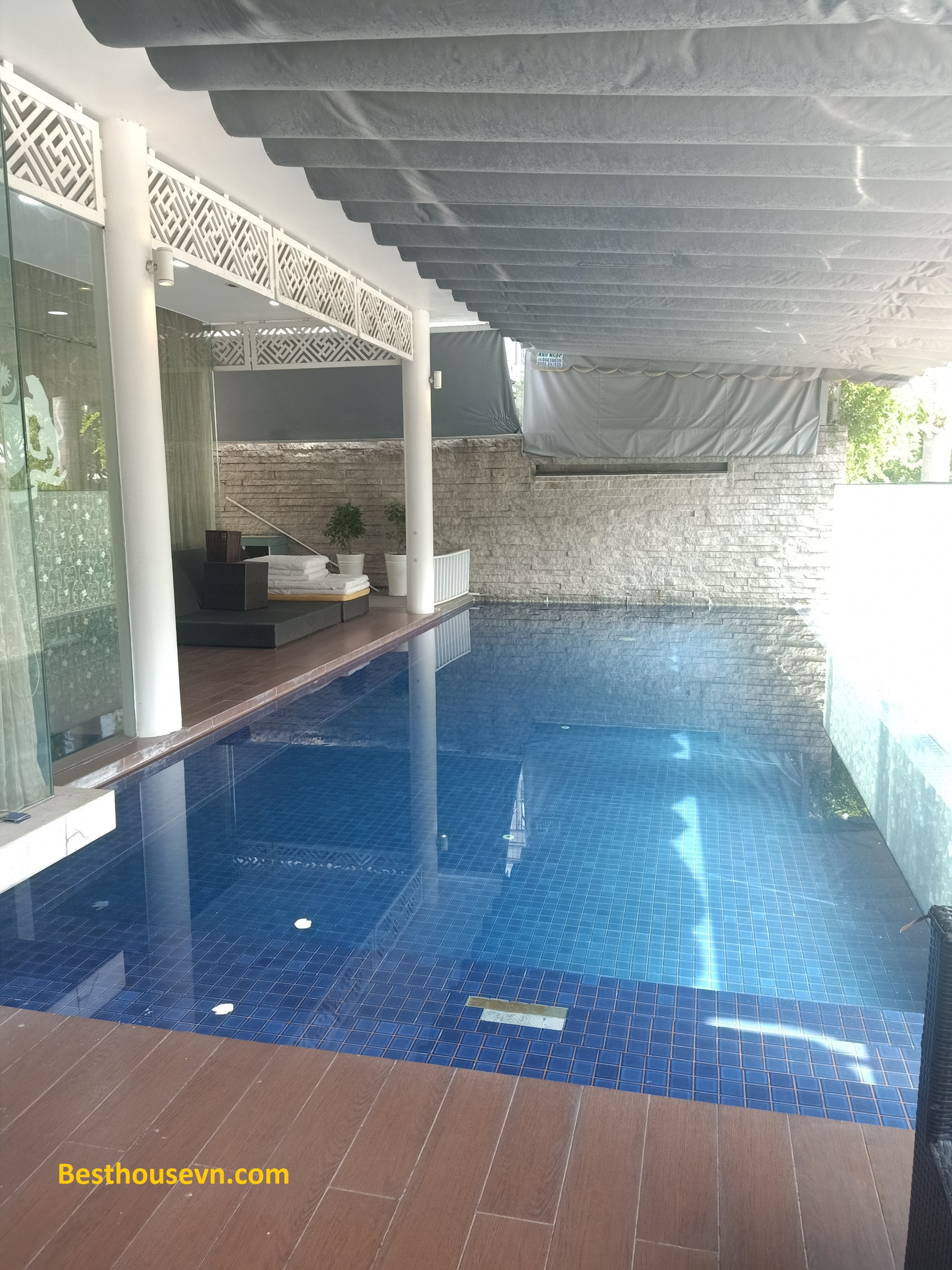 swimming-pool-Villa-for-rent-in-phu-my-hung-district-7