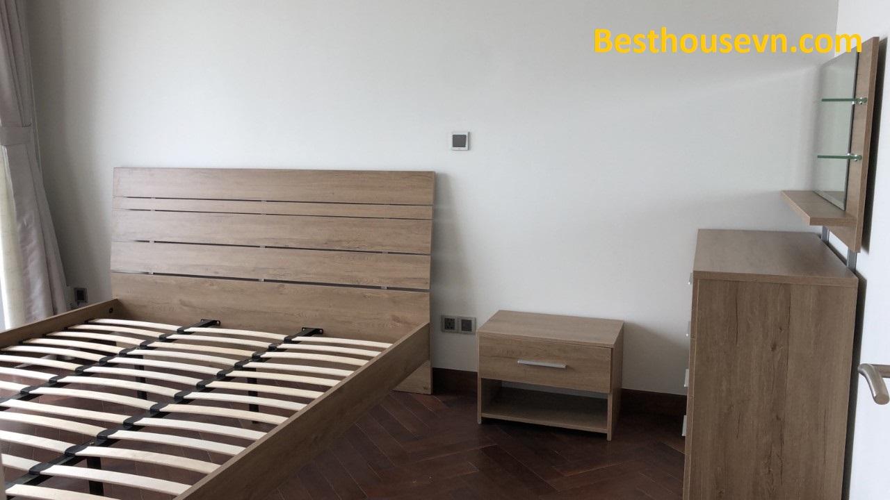 unfurnished-master-bedroom