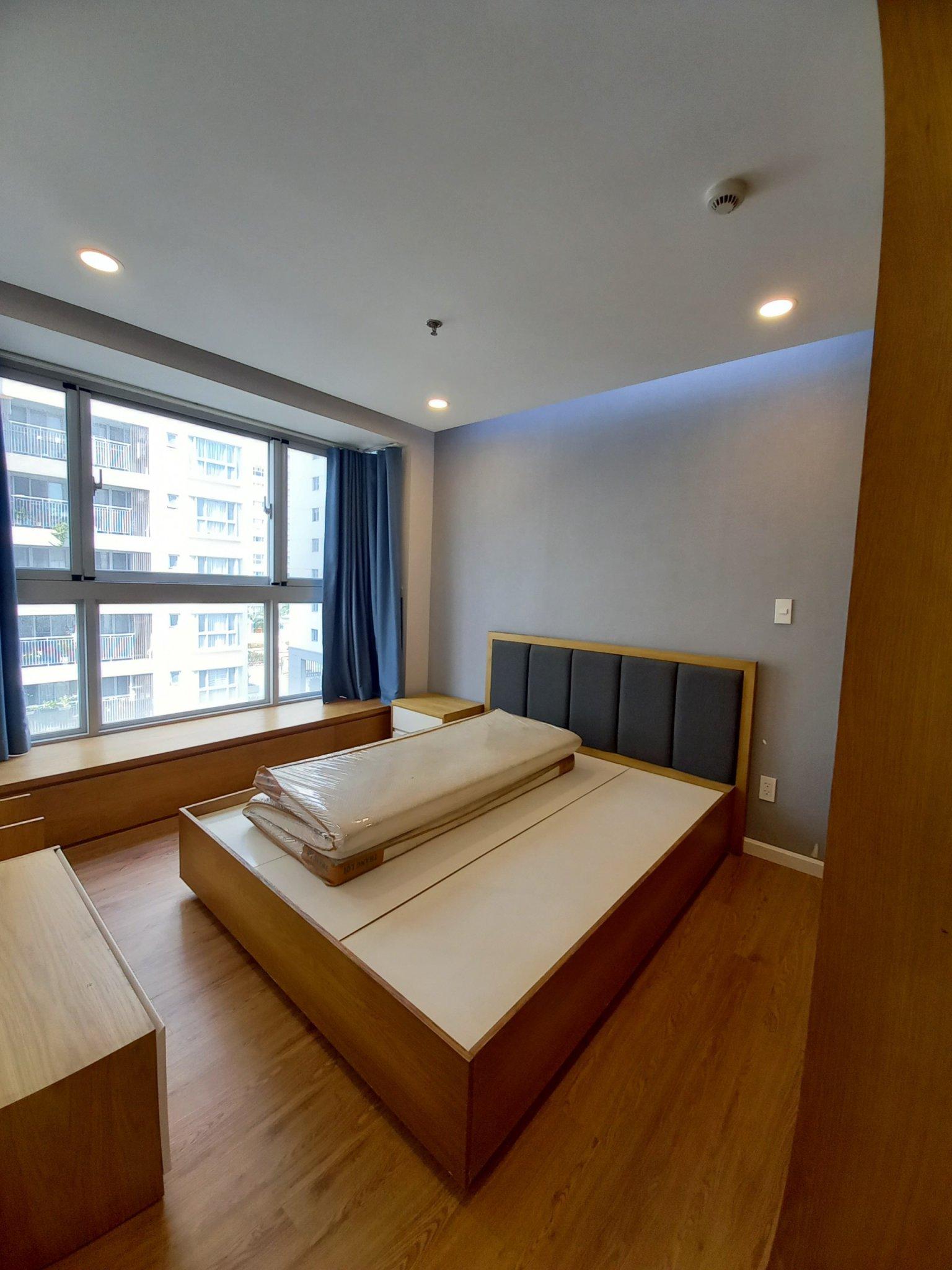 căn hộ sàn gỗ cho thuê