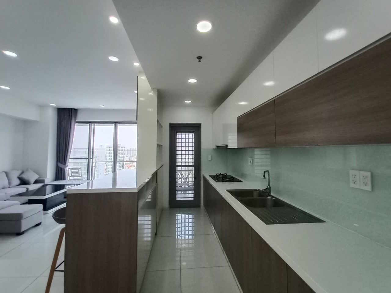 3 bedrooms for rent in green valley apartment