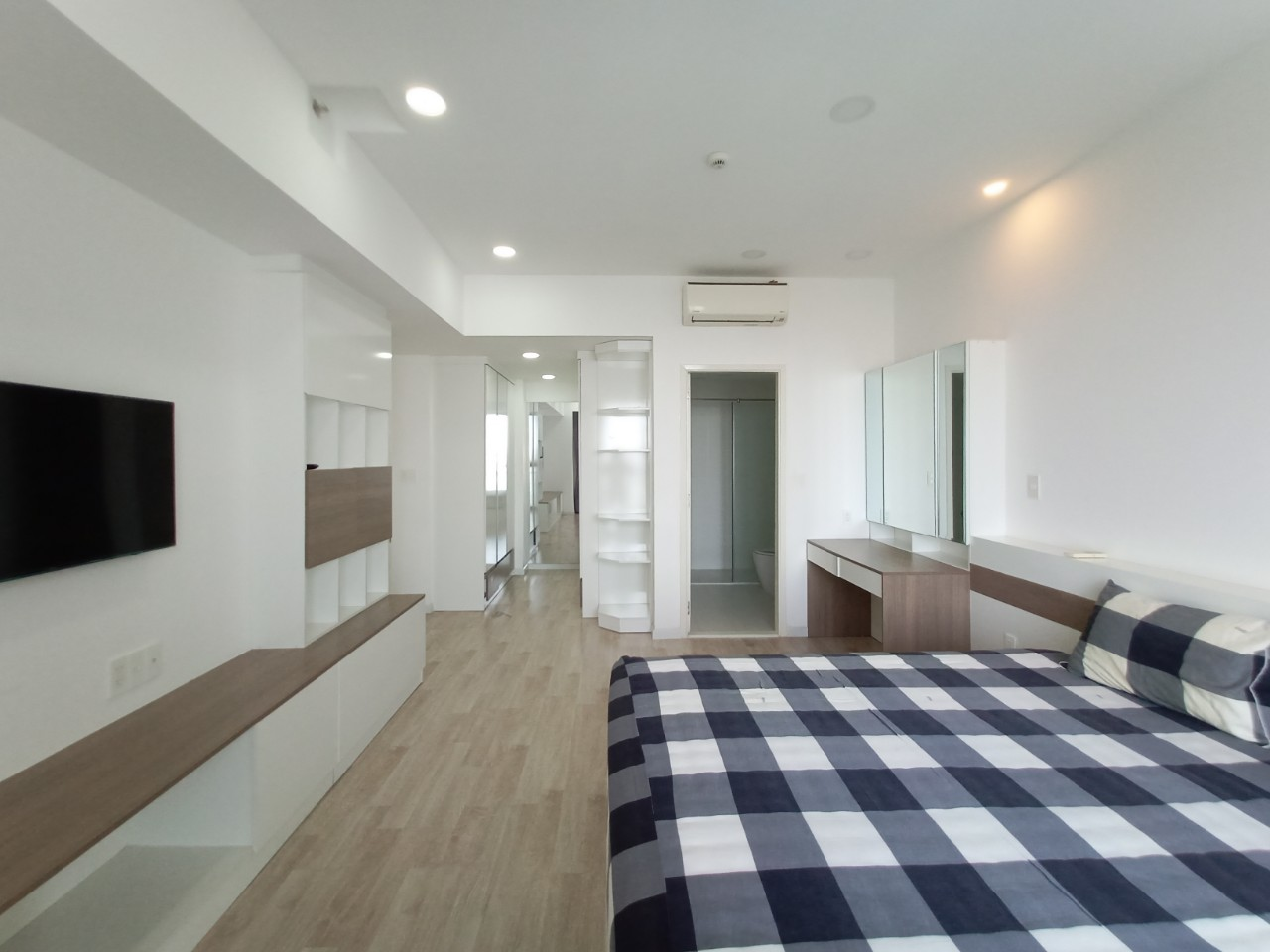 3-bedrooms-for-rent-in-green-valley-apartment (7)