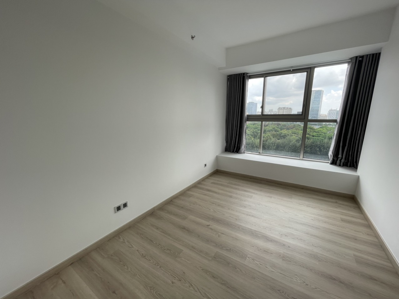 No option 3bedrooms apartment for rent in Midtown, M7