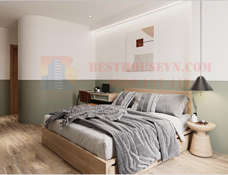 Midtown apartment with wooden floor