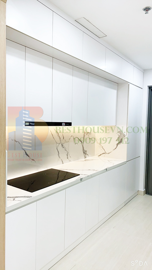 Urban-Hill-apartment-elegant-white-design-District-7 (10)